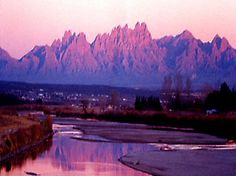 The Organ Mountains in Las Cruces.so beautiful - Seen while searching for Easter presents. Originally posted by maltrevino Oh The Places You'll Go, Great Places, Places To Travel, Beautiful Places, Places To Visit, Beautiful Sunset, New Mexico Homes, To Go, New Mexican