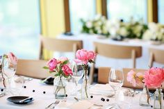 Reposting @studiosydneytower: Simple and sweet wedding table designs at STUDIO's Wedding Open Day last year.   #love #instagood #potd