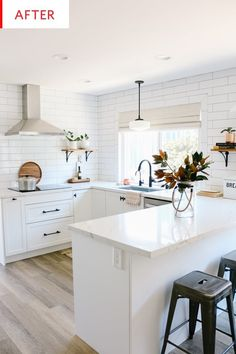 25 Examples The Most Efficient U-shaped Kitchen Design For Your Dream Kitchen White Ikea Kitchen, Diy Kitchen, Kitchen Dining, Ikea Kitchen Remodel, Modern Kitchen White Cabinets, Ikea Kitchen Sink, Ikea Kitchen Countertops, Small Modern Kitchens, White Shaker Kitchen
