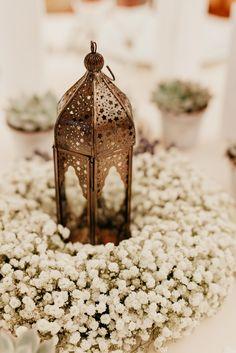 Baby's breath wedding centerpiece #orientalwedding