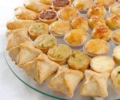 Massa básica para salgados assados. Tapas, Brazillian Food, Portuguese Recipes, Appetizer Recipes, Good Food, Brunch, Food And Drink, Cooking Recipes, Favorite Recipes