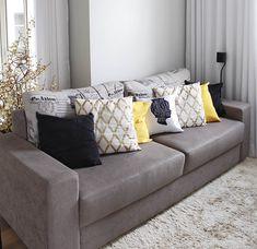 Antes e Depois | Nova cor na parede da sala Furniture, Curtains Living Room, Sofa Furniture, Living Dining Room, Home Decor, Apartment Decor, Interior Design, Liberty Furniture, Living Room Designs