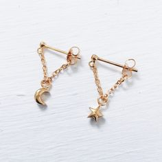 Celestial star moon earrings | hardtofind.