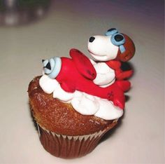 """I love all things flying ace """"Snoopy Flying Ace Cupcake"""""""