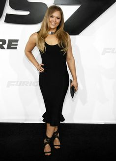 Ronda Rousley donned a black dress. Ronda Rousey Hot, Ronda Jean Rousey, Ronda Rousy, Rowdy Ronda, Wwe Female Wrestlers, Get Glam, Raw Women's Champion, Wwe Womens, Wwe Divas
