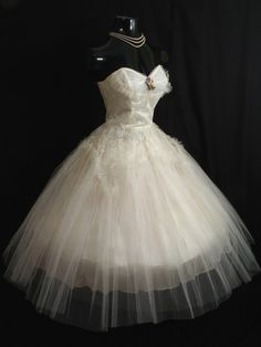 So...where was THIS dress on my wedding day?! Wowza!