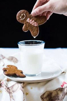 These are rather special Christmas cookies. You see, not much is lost (if at all) in these gluten free and keto gingerbread cookies! Gluten Free Gingerbread, Gingerbread Man Cookies, Gingerbread Men, Keto Recipes, Cake Recipes, Dessert Recipes, Healthy Recipes, Recipes Dinner, Delicious Recipes