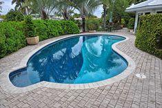 Backyard Layout, Backyard Pool Designs, Small Backyard Pools, Swimming Pool Designs, Patio Design, Backyard Ideas, Cement Patio, Flagstone Patio, Brick Patios