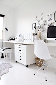 パソコンをおしゃれなインテリアの一部にしたホームオフィス例54 の画像 賃貸マンションで海外インテリア風を目指すDIY・ハンドメイドブログ<paulballe ポールボール>