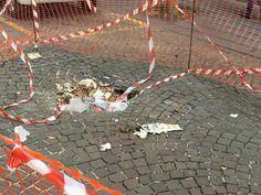 VOMERO: LE BUCHE POTREBBERO DIVENTARE REPERTI STORICI http://www.napolitoday.it/blog/vomero/vomero-le-buche-potrebbero-diventare-reperti-storici.html
