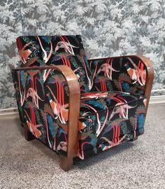 Perinteinen pormestari-tuoli peruskorjattiin pohjiamyöten. Verhoilukangas Klaus Haapaniemen printtisametti. Armchair, Furniture, Home Decor, Sofa Chair, Single Sofa, Decoration Home, Room Decor, Home Furnishings, Home Interior Design