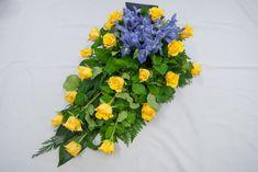 14 keltainen ruusu-sininen iiris - Hautauspalvelu Sotaniemi