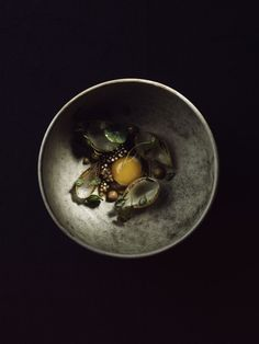 D espite the frigid temperatures in Norway this time of year, we'd happily risk frostbite for a meal, even a snack, at Maaemo. Currently praised as one of the best restaurants in the world (s