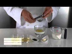 Molecular Gastronomy - Spherical Tzatziki on cucumber Kitchen Science, Food Science, Gastronomy Food, Molecular Gastronomy, Gourmet Recipes, Cooking Recipes, Asian Recipes, Tzatziki Recipes, Modernist Cuisine