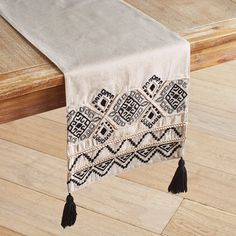 Elegant Bedside Table Runners
