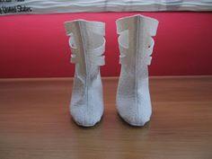 Aquí os dejo el patrón de las botas caladas que hice para el conjunto Mixto y la escala es tal cual el tamaño folio. Con un cuero fino, hilo...