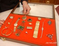 Auschwitz Jewelry Exhibit Shows Secret Treasures With a Grisly Past