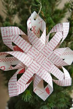 Decorate Your Christmas Tree With Beautiful DIY Paper Ornaments – Origami 2020 Paper Christmas Ornaments, Noel Christmas, Winter Christmas, Christmas Decorations, Diy Ornaments, Tree Decorations, French Christmas, Photo Ornaments, Christmas Snowflakes