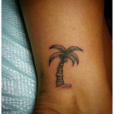 palm tree tattoos on pinterest tropical tattoo beach tattoos and surf tattoo. Black Bedroom Furniture Sets. Home Design Ideas