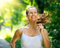 Gün içinde aşırı sıcaklara maruz kalmamak için, işe gitmeden önce veya akşam iş dönüşü koşu yapabilirsiniz.