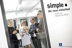 """Bilder von SIMPLE.Die neue einfachheit - Designforum Graz   """"#SIMPLE"""", die neue Ausstellung, die am 17.3. im #Designforum Graz eröffnet wurde, zeigt Möbel und Objekte des Alltags, die beispielhaft für die neue #Einfachheit der #Dinge sind, als Ausdruck der Suche von immer mehr Menschen nach #Klarheit und #Bodenständigkeit – einfach, aber durchdacht und mit teilweise völlig neuen Ansätzen in der #Gestaltung."""