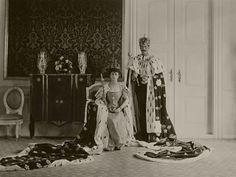 The Royal Order of Sartorial Splendor: Royal Splendor 101: King Harald's Accession