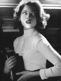 Sandra Hellberg - classic light portrait