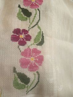 Cross Stitch Flowers, Cross Stitch Patterns, Hand Embroidery, Embroidery Designs, Prayer Rug, Reusable Tote Bags, Rugs, Crochet, Crafts