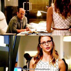 Según @andrewkreisberg el nuevo jefe de Kara cree en la palabra escrita, cree en los hechos y piensa, ¿eres buena en tu trabajo o no? #Supergirl