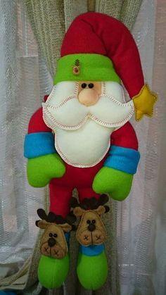 Christmas Balloons, Christmas Art, Christmas Projects, Beautiful Christmas, Christmas Stockings, Christmas Holidays, Xmas, Christmas Ornaments, Balloon Decorations