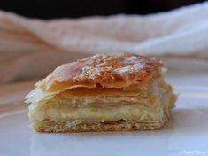 tiropita-makedoniki-sfoliata-01 Spanakopita, Greek Recipes, Apple Pie, Food And Drink, Yummy Food, Delicious Recipes, Cooking Recipes, Snacks, Breakfast