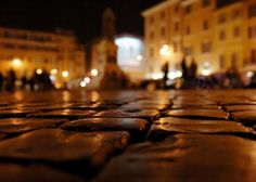 The streets of Roma. You really get to miss the cobblestones once you're gone!