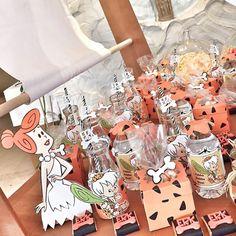 Wilma şeker kutumuz,popcorn kutuları ve çikolatalar taş devri temamıza özel hazırlandı #dogumgünü #fred #barney #moloztasailesi #birthdayparty #babyboyparty #çakmaktaş #bambam #flintstones #flintstonesparty