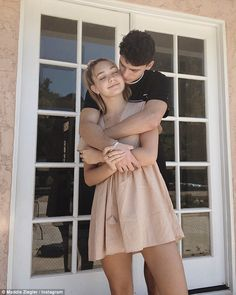 Mom's star Maddie Ziegler splits with boyfriend Jack Kelly Dance Moms' Maddie Ziegler 'splits' from boyfriend Jack Kelly Cute Relationship Goals, Cute Relationships, Boyfriend Goals, Future Boyfriend, Kelly Dance Moms, Cute Couples Goals, Couple Goals, Maddie Ziegler Boyfriend, Maddie Ziegler Instagram