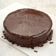 This classic sacher chocolate cake is both light and rich at the same time, with an airy cake, a simple apricot jam filling and a decadent bittersweet glaze. Round Cake Pans, Round Cakes, Köstliche Desserts, Delicious Desserts, Sacher Torte Recipe, King Arthur Flour, Chocolate Glaze, Chocolate Ganache, Cake Flour