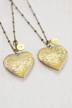 set of 2 personalized locket necklace,bridesmaid gift,couple necklace,heart locket,bff jewelry,customized initial locket pendant,best friend
