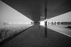 Krefeld Golf clubhouse-1930-unbuilt-Mies van der Rohe model constructed under the artistic directorship of Belgian architect Paul Robbrecht (Ghent - BELGIUM)photo: marklarmuseau