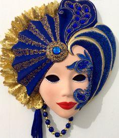 Máscara decorativa artesanal de cerâmica