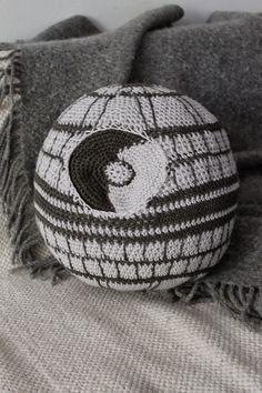 Kaita-Liina: Death Star- Free Crochet Star Wars Pattern (scroll down for English)