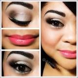 Light gold eye with contoured crease and light pink lip