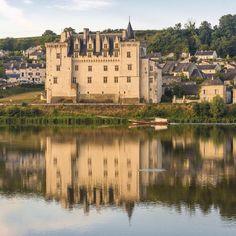 Revisitez vos classiques en Anjou, direction le château de Montsoreau ! Au coeur d'un des Plus Beaux Villages de France