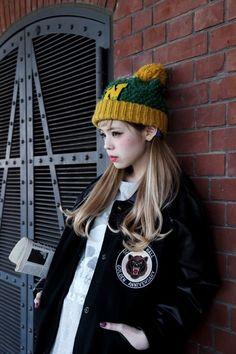 seto ayumi beanie+pigtails look~ Gyaru Fashion, Ulzzang Fashion, Harajuku Fashion, Urban Behavior, Japanese Street Fashion, Cool Street Fashion, Japanese Streets, Beanie Outfit, Beanie Hats