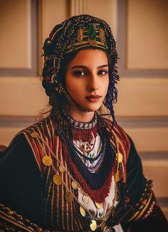 Mediterranean People, Folk Costume, Costumes, Greek Culture, Royal Clothing, Traditional Outfits, Ethnic, Greek Mythology, Portrait