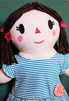 Free project instructions to make an embroidered soft rag doll. Plus free small, medium, large & extra large pdf doll patterns