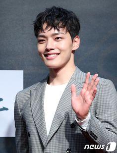 Yeo Jin-goo (여진구) - Picture Gallery @ HanCinema :: The Korean Movie and Drama Database Korean Celebrities, Korean Actors, Jin Goo, Actor Model, Dramas, Models, Stars, Gallery, Pictures