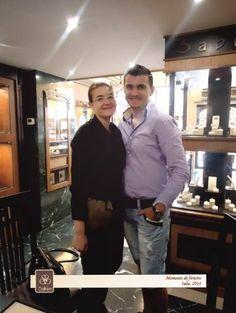 Cele mai frumoase povești de iubire sunt cele împărtășite. De aceea, suntem bucuroși că Ioana și soțul său ne-au făcut părtași la cel mai frumos moment al vieții lor și că au ales verighetele Sabion ca simbol al iubirii pe care și-o poartă. Așteptăm și poveștile voastre de iubire, pentru a le răsplăti cum se cuvine: http://sabion.ro/ro/povesti-de-iubire/