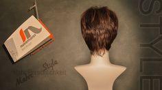 """In unserer Serie """"Perücke by nussmann"""" zeigen wir 12 ausgewählte Spitzenmodelle – exklusiv für Sie verfügbar bei fn nussmann in Bayreuth, Bahnhofstr. 12.  Modell № 04: """"Expressive-red"""" Short-Hairdress für lebendigen Style.  Perücke by nussmann Mein Haar. Mein Ich.  www.zweithaar-nussmann.de"""