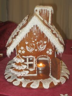 gingerbread house Gingerbread Icing, Christmas Gingerbread House, Cottage Christmas, Gingerbread Houses, Winter Christmas, Christmas Cookies, Christmas Crafts To Make, Christmas Baking, Cookie House
