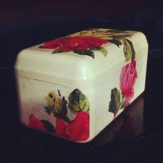 #Upcycle : ferrero rocher's empty box upcycled into Decoupaged storage box