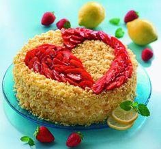 Erdbeertorte zum Muttertag Eine feine Torte mit Zitronen-Creme und Erdbeeren zum Muttertag